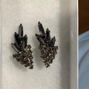 Vintage Earrings 🖤